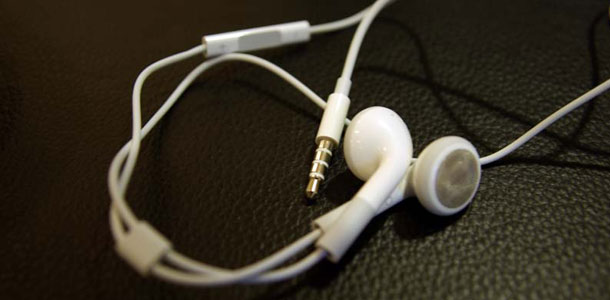 faq_Apple_In-Ear_Headphones_with_Remote_and_Mic_0