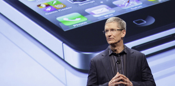 october_4th_tim_cook_unveil_iphone5_0