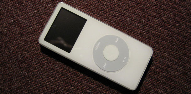 apple_launches_worldwide_replacement_program_1gen_ipod_nano_0
