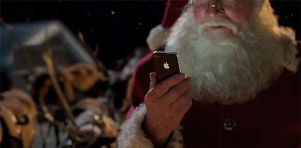 apple_posts_santa_iphone4s_ad_0