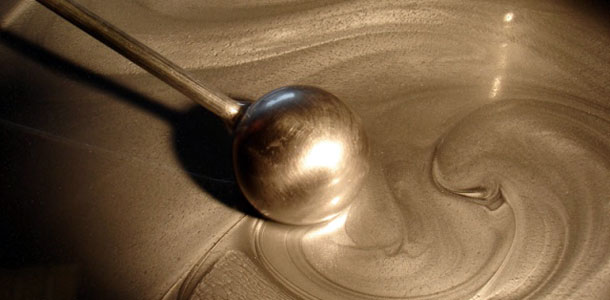 apple_unlikely_to_use_liquidmetal_alloys_as_major_design_material_for_several_years_0