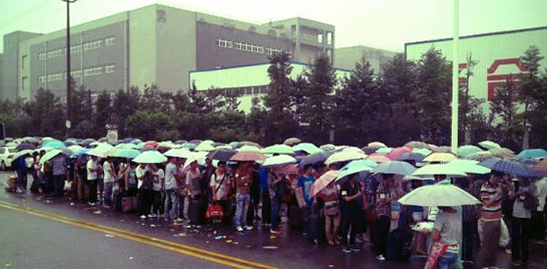 thousands-queue-for-foxconn-summer-jobs-ahead-of-possible-ipad-mini-production_0