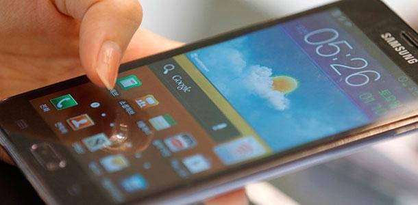 apple-seeks-sales-bans-on-eight-samsung-smartphones_0