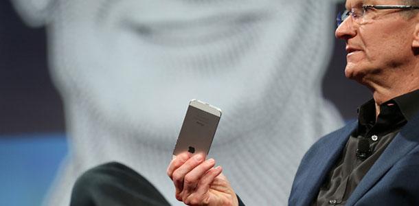 tim-cook-russia-80-iphones-sold-retail-record-sales-figures-quarter-0