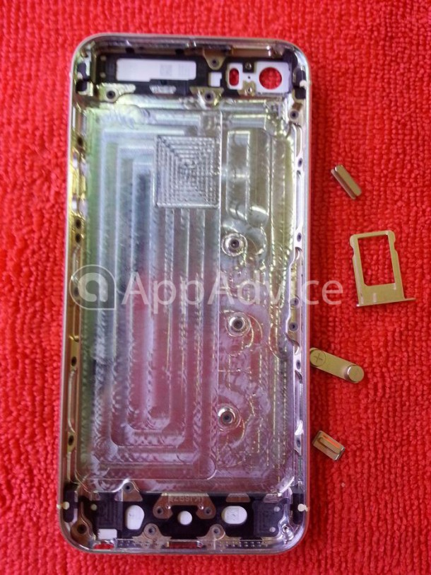 exclusive-high-resolution-photos-of-the-rumored-gold-iphone-5s-back-housing-3