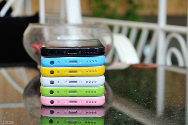 the-iphone-5c-likely-colors-plus-some-new-dummy-units-are-unveiled-6