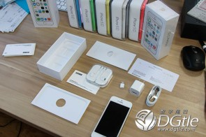 iphone-5s-5c-first-unboxing-10