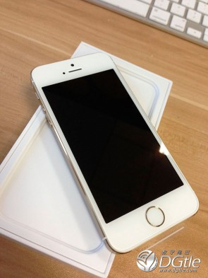 iphone-5s-5c-first-unboxing-5