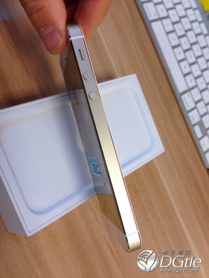 iphone-5s-5c-first-unboxing-6