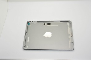 new-images-of-purported-next-gen-ipad-casing-show-space-gray-and-silver-color-options-3