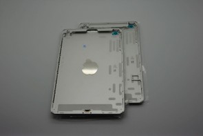 new-images-of-purported-next-gen-ipad-casing-show-space-gray-and-silver-color-options-8