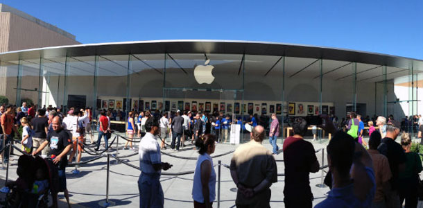 apple-had-ample-supply-of-ipad-air-iphone-5s-over-holiday-weekend-retina-ipad-mini-was-constrained-0