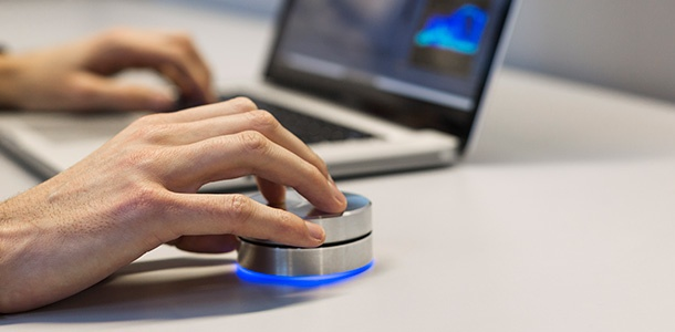 ces-2014-griffin-debuts-powermate-bluetooth-controller-for-mac-0