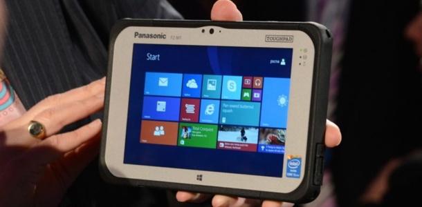 ces-2014-panasonic-toughpad-fz-m1-rugged-7-inch-windows-tablet-0
