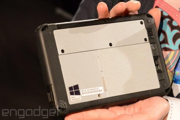 ces-2014-panasonic-toughpad-fz-m1-rugged-7-inch-windows-tablet-5