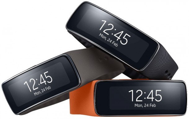 samsung-introduces-new-gear-fit-fitness-tracker-1
