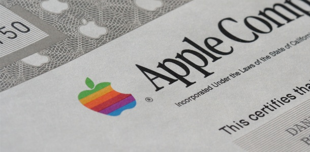 top-apple-execs-each-awarded-35000-shares-worth-up-to-19m-0