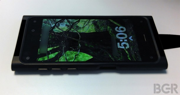 amazons-iphone-competitor-purportedly-revealed-in-photos-with-6-cameras-3d-ui-1