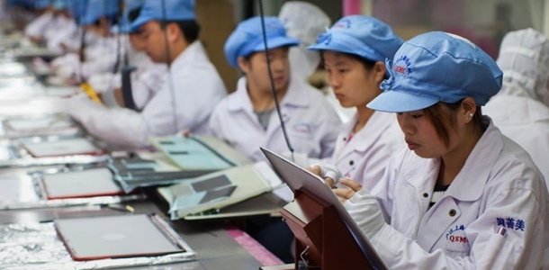 foxconn-to-replace-iphone-6-assembly-line-workers-with-foxbot-robots-0