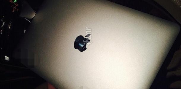 leaked-photos-of-rumored-12inch-macbook-air-lid-and-display-0