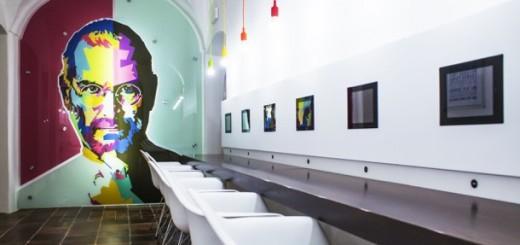 in-der-tschechischen-hauptstadt-eroeffnete-museum-apple-0